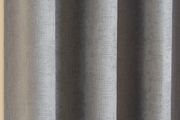 VOGUE-CURTAIN SILVER CLOSE-UP